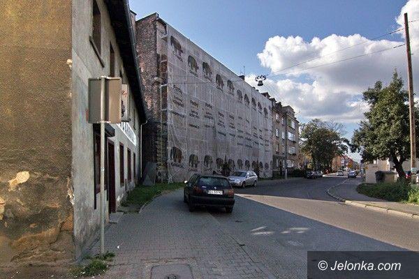 JELENIA GÓRA: Ulica Okrzei czeka na remonty