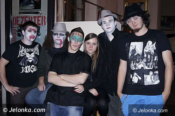 JELENIA  GÓRA: Ruszyły imprezy Halloween . KONKURS