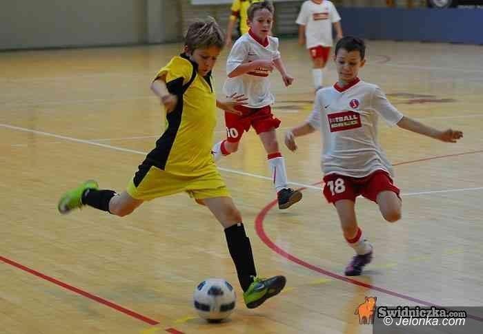 Świdnica: Młodzi jeleiogórscy piłkarze na pudle