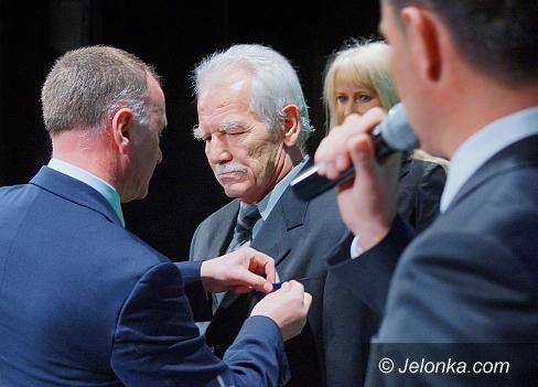 JELENIA GÓRA: Władysław Czyszczoń uhonorowany medalem Gloria Artis