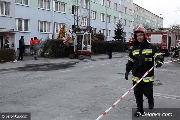 JELENIA GÓRA: Troje poszkodowanych, ponad 100 ewakuowanych. Wybuchł gaz