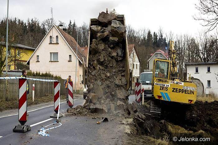 JELENIA GÓRA/REGION: Miastu powódź niegroźna. W regionie wylał Bóbr