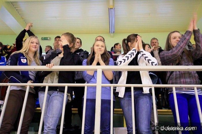 """Superliga: """"Do przerwy"""" pięć bramek przewagi"""