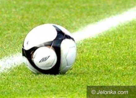 """Jelenia Góra: Chłopcy z """"dziesiątki"""" wygrali piłkarskie zmagania"""