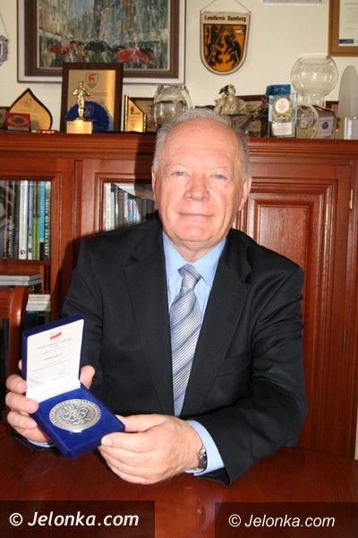Jelenia Góra/Kraj: Olimpijski medal dla jeleniogórskiego starosty
