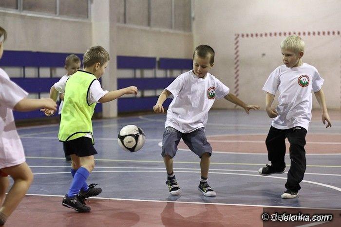 Jelenia Góra: Święty Mikołaj odwiedził piłkarskie przedszkole