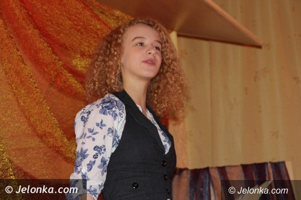 Jelenia Góra: Pięknie mówili wierszem w Młodzieżowym Domu Kultury