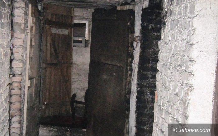 Jelenia Góra: Pożar w piwnicy – ewakuowano 10 osób