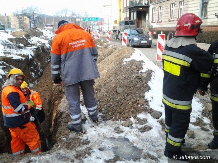 Jelenia Góra: Robotnicy uszkodzili rurę gazową
