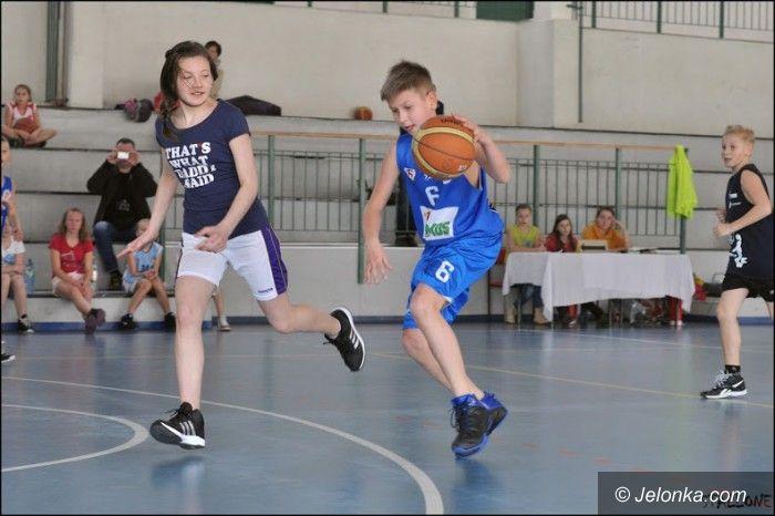 Jelenia Góra: Niezwykle udany turniej mini–koszykówki w SP nr 11