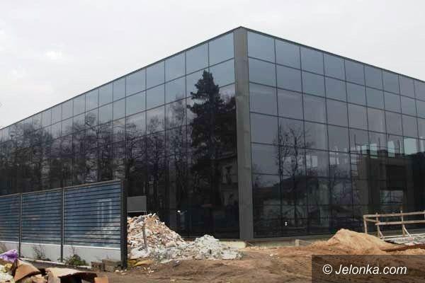 Jelenia Góra: Pre–Fabrykat zajmie się dokończeniem budowy Term? Są protesty