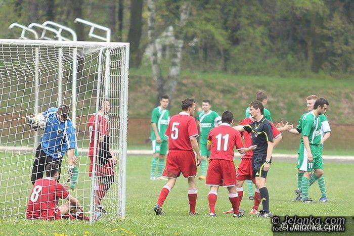 IV-liga piłkarska: Karkonosze pokonały ekipę z czołówki tabeli