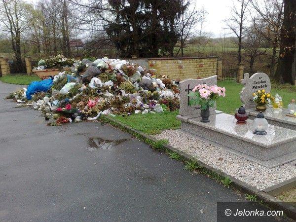 Jelenia Góra: Góra śmieci na cmentarzu w Maciejowej
