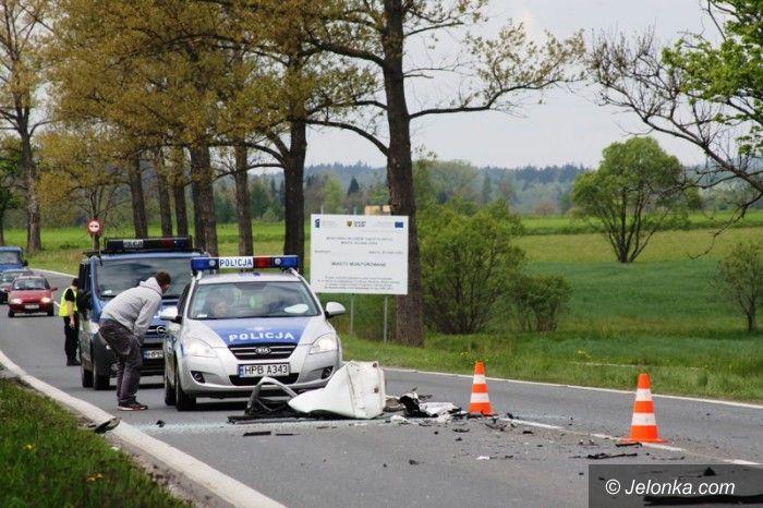 Jelenia Góra: Zderzenie ciężarówki i dwóch aut dostawczych