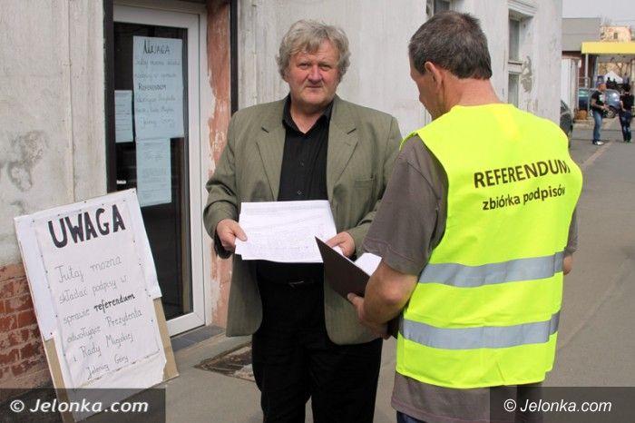 Jelenia Góra: Zbieranie podpisów za odwołaniem prezydenta i rady do niedzieli