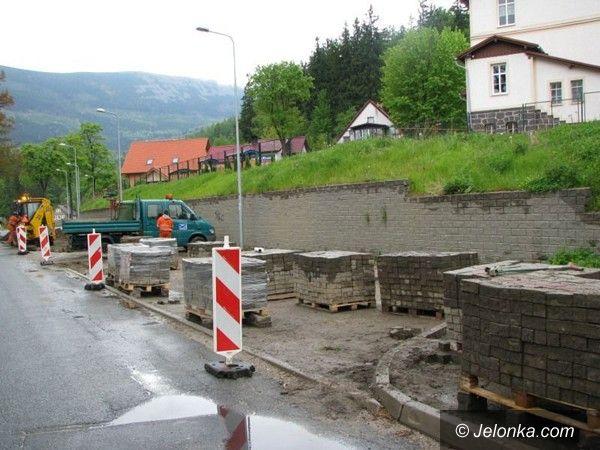 Region: Budowa parkingu i remonty ulic pod Śnieżką