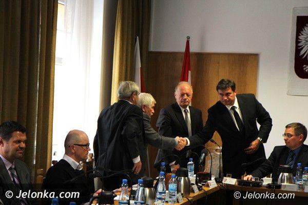 Powiat: Absolutorium dla władz powiatu jeleniogórskiego