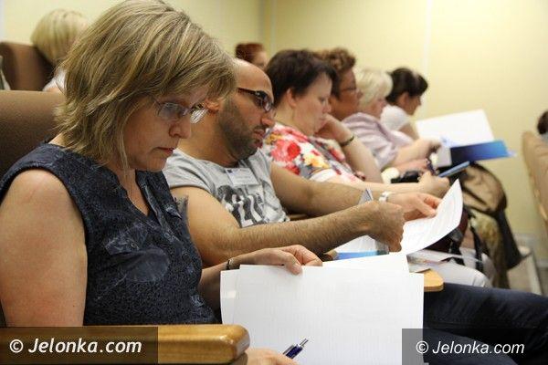 Jelenia Góra: Było o szansach dla bezrobotnych, ale nie tylko…