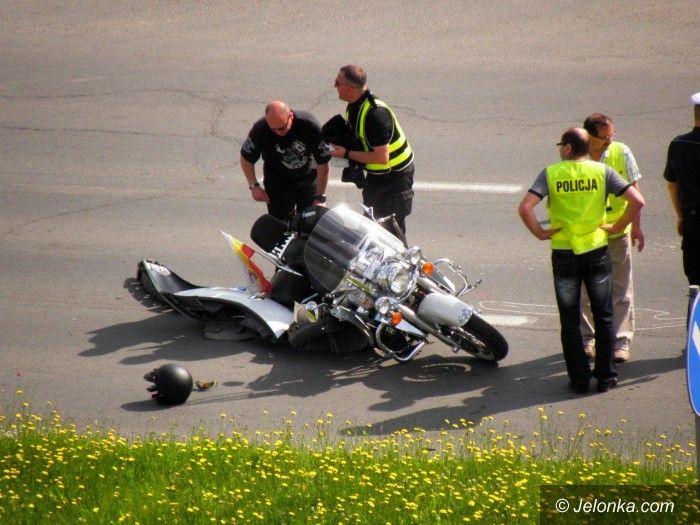 Jelenia Góra: Zderzenie renaulta z motocyklistą