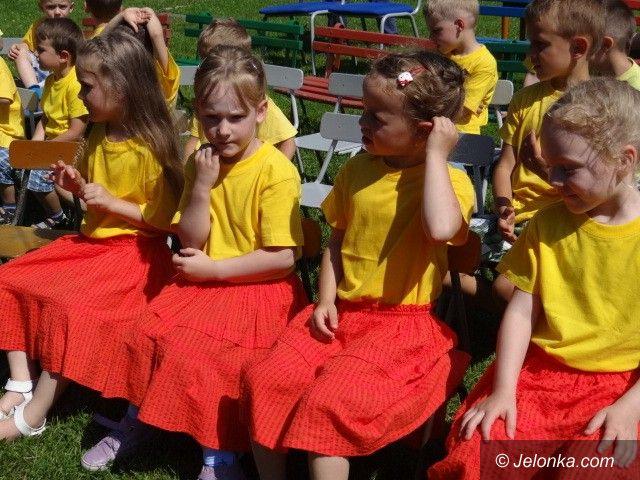 Jelenia Góra: Polonezem i świetną zabawą powitali wakacje
