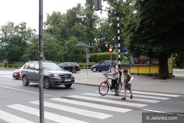 Jelenia Góra: Niebezpieczne przejście doświetlone