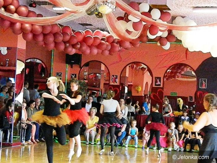 Jelenia Góra: Uczniowie Szkoły Tańca Tabor wytańczyli odznaki