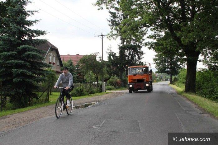 Jelenia Góra: Mieszkańcy żądają remontu Łomnickiej