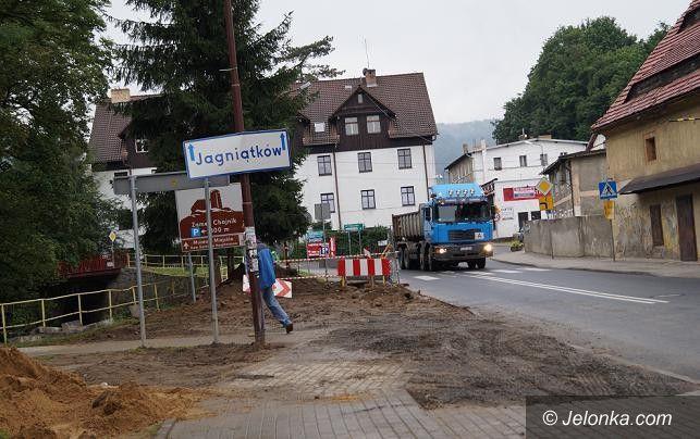 Jelenia Góra: Trwa kanalizowanie Sobieszowa. Koniec we wrześniu