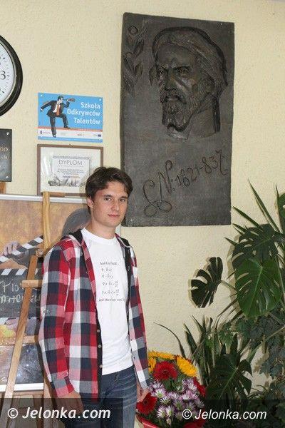 Jelenia Góra: Uczeń Norwida badał historię kosmosu w Heidelbergu
