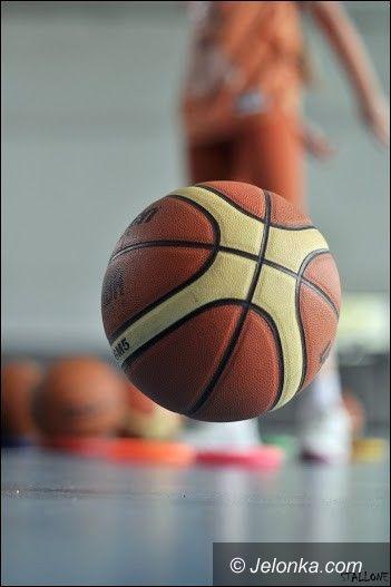 II-liga koszykarek: II–liga kobiet: Osiem przeciwników Wichosia