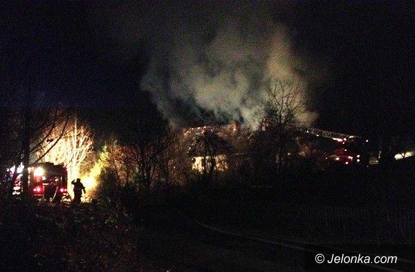 Piechowice: Pożar domu wielorodzinnego w Górzyńcu (aktualizacja)