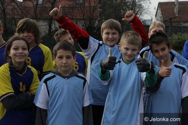 Jelenia Góra: Podstawówka nr 3 ma piękny kompleks sportowy
