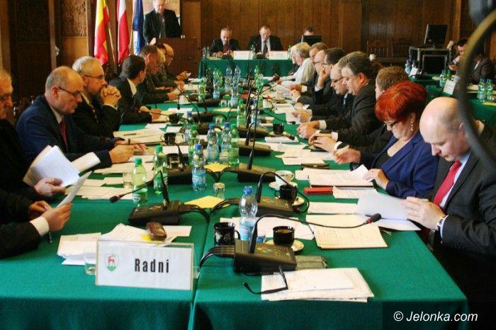 Jelenia Góra: Jutro sesja Rady Miejskiej m.in. o obniżce opłat za śmieci