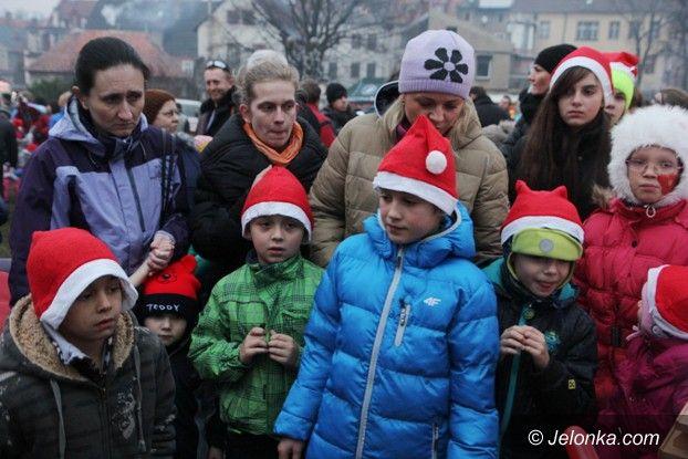 Kowary: Najazd dużych i małych Mikołajów na Kowary