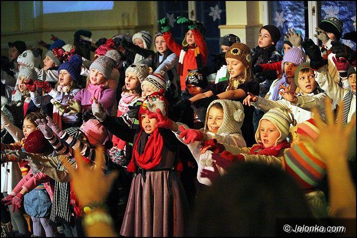 """Jelenia Góra: Wspaniały koncert świąteczny w """"Dwójce"""""""