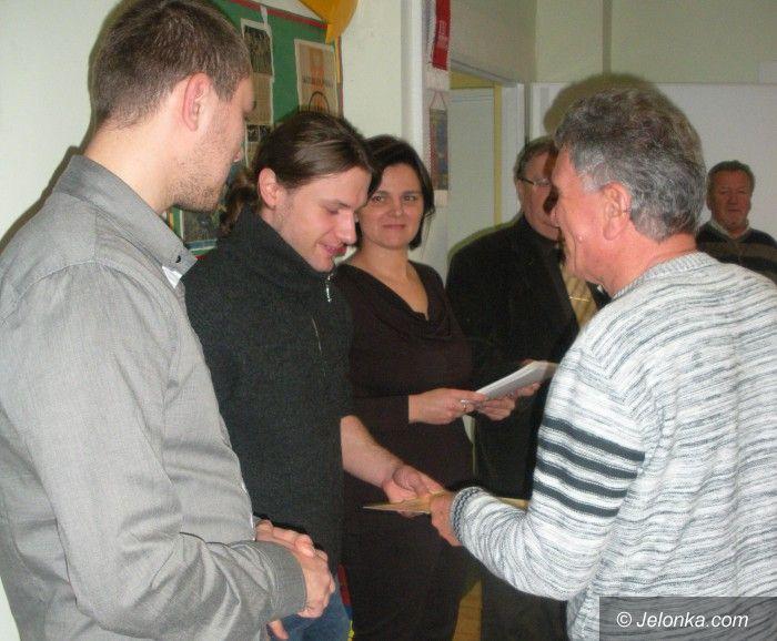 Jelenia Góra: Senior na czasie z komputerem