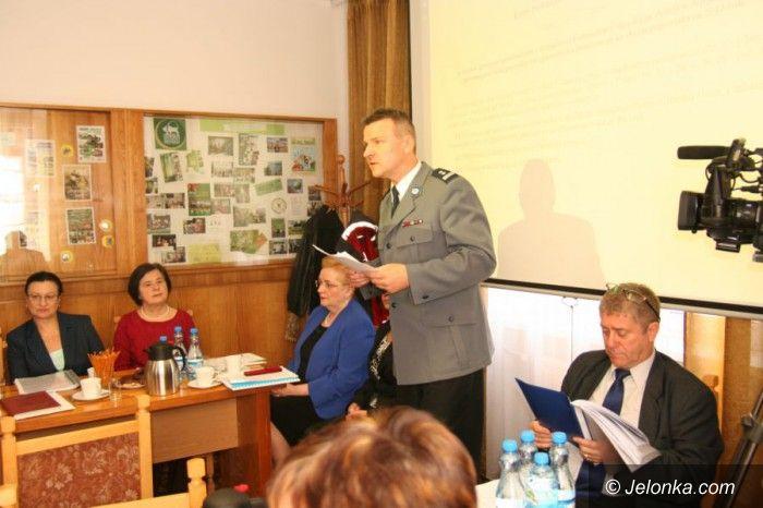 Powiat: Radni powiatu wysłuchali raportu z działalności policji
