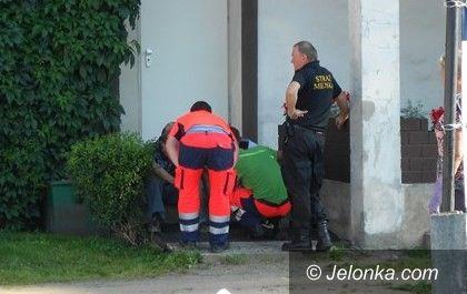 Jelenia Góra: Jeleniogórzanin pobił kolegów – interweniowali strażnicy