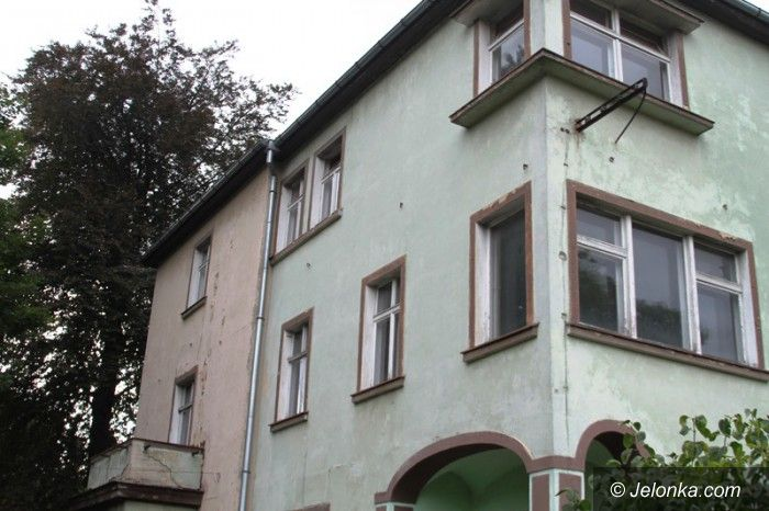 Jelenia Góra: Zabytkowy budynek byłej przychodni nie zniknie!