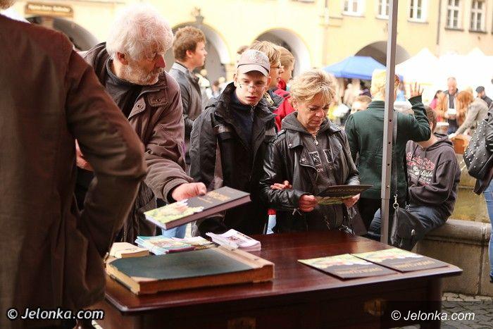 Jelenia Góra: Ratujmy Dwór Czarne – monografia wg Jacka Jakubca