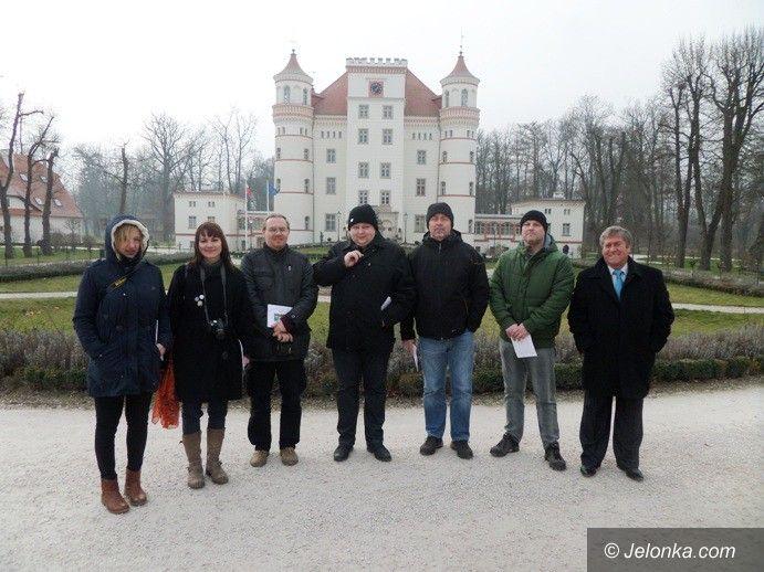 Powiat: Zagraniczni dziennikarze odwiedzili powiat jeleniogórski