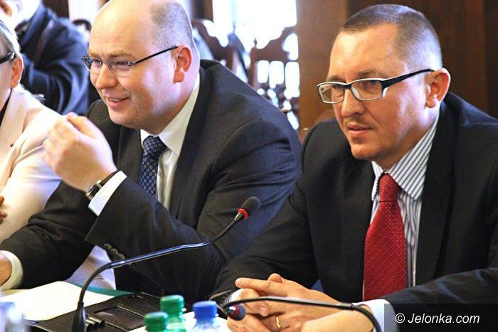 Jelenia Góra: Po drugim głosowaniu L. Wrotniewski szefem rady