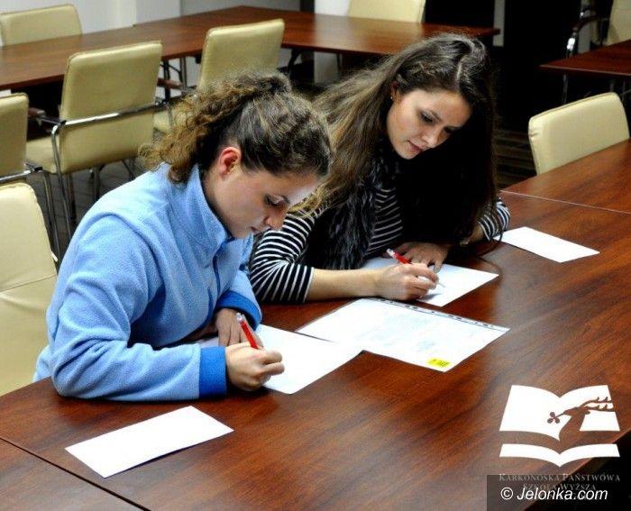 Jelenia Góra: Napisali 45 listów w obronie praw człowieka
