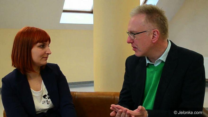 Jelenia Góra: O dyskryminacji i reportażu – rozmowa z Mariuszem Szczygłem