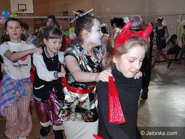 Jelenia Góra: Karnawałowe szaleństwo w Sobieszowie