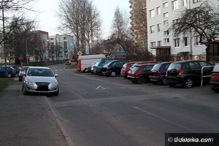 Jelenia Góra: Uwaga! Okradają auta na Karłowicza