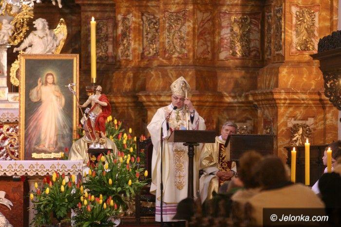 Jelenia Góra: Biskup odprawił mszę w intencji ofiar smoleńskich