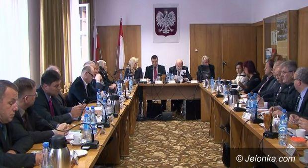 Jelenia Góra: Absolutoryjna Sesja Rady Powiatu– NA ŻYWO