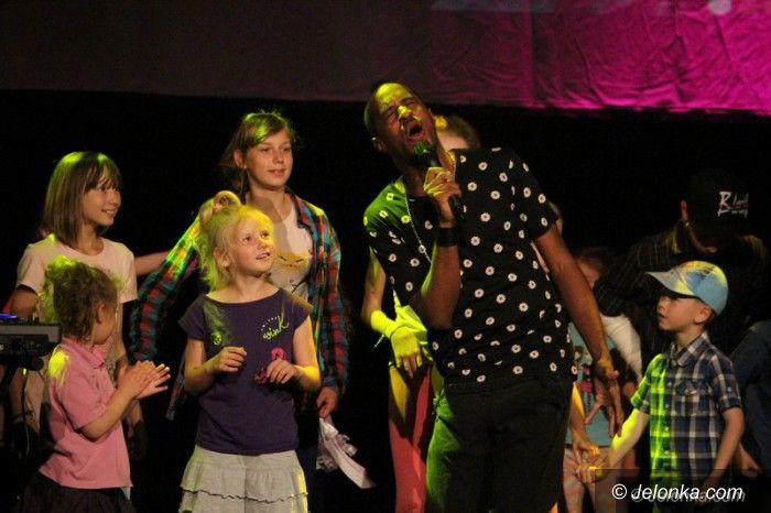 Jelenia Góra: Dzieci bawiły się z Nickiem Sinclairem