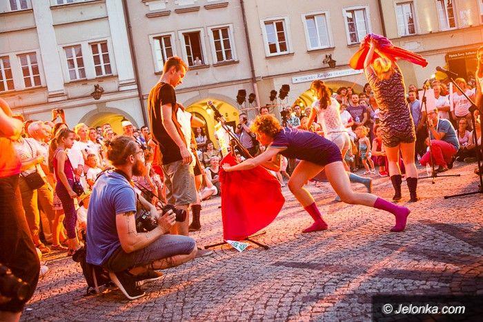 Jelenia Góra: 33. MFTU: klauny, taniec i premiera